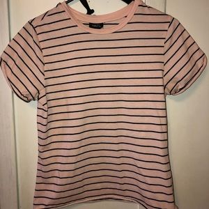 Pink and black stripped tee!